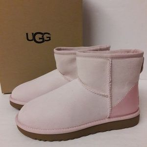 New Womens Pink UGG Boots Size 7